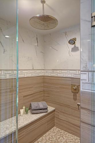 Delightfully Tranquil Master Bath