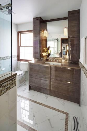 Modern Sleek Master Bath