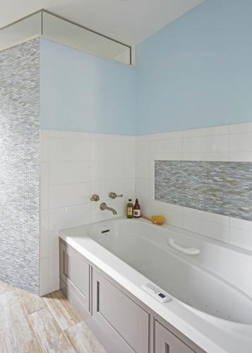 Beach Inspired Master Bath