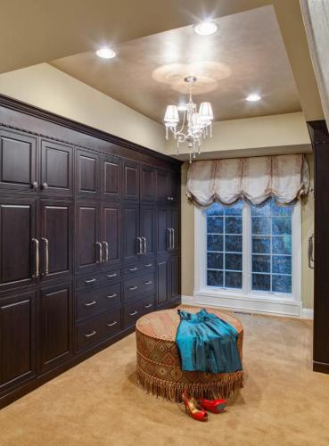 Regal Walk-In Closet