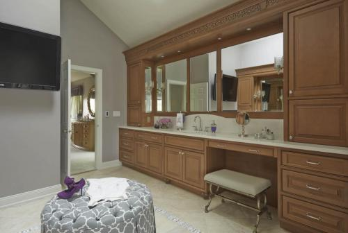 Tailored Elegance Master Bath