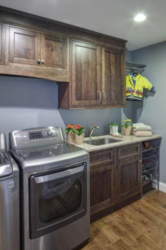 Simple And Clean Laundry Room